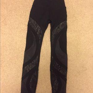New Lululemon leggings - Size 2